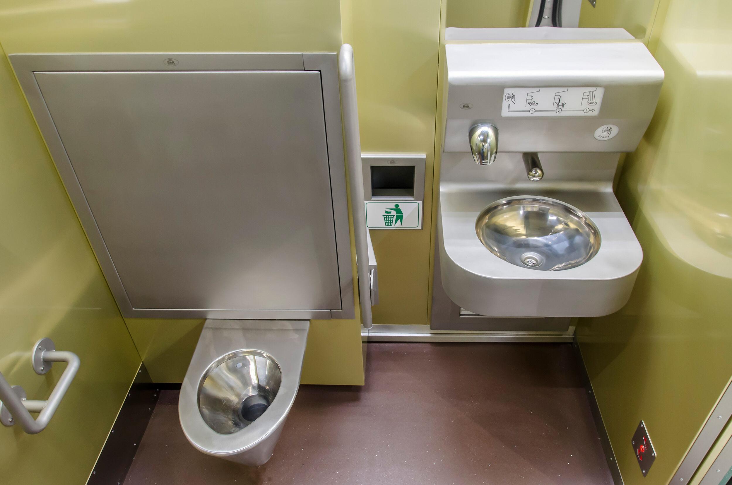 WC-modulok, kézmosó és WC mosó modukl